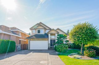 Photo 1: 6175 127A Street in Surrey: West Newton House for sale : MLS®# R2616840