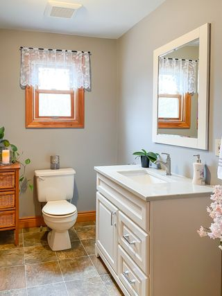Photo 12: 375 West Black Rock Road in West Black Rock: 404-Kings County Residential for sale (Annapolis Valley)  : MLS®# 202108645
