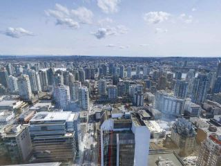"""Photo 7: 4703 938 NELSON Street in Vancouver: Downtown VW Condo for sale in """"One Wall Centre"""" (Vancouver West)  : MLS®# R2155390"""