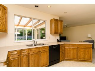 Photo 10: 12665 19A AV in Surrey: Crescent Bch Ocean Pk. House for sale (South Surrey White Rock)  : MLS®# F1444347