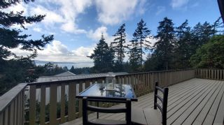 Photo 1: 3703 Signal Hill Rd in : GI Pender Island House for sale (Gulf Islands)  : MLS®# 870335