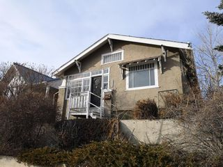 Photo 2: 1314 20 Avenue NW in Calgary: Capitol Hill Detached for sale : MLS®# A1080077