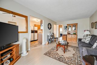 Photo 8: 313 42 Street SE in Calgary: Forest Heights Semi Detached for sale : MLS®# A1118275