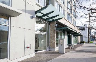 """Photo 11: 522 2008 PINE Street in Vancouver: False Creek Condo for sale in """"MANTRA"""" (Vancouver West)  : MLS®# R2348599"""