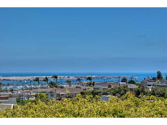 Main Photo: POINT LOMA House for sale : 4 bedrooms : 3664 Carleton Street in San Diego