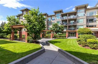 "Photo 2: 220 33539 HOLLAND Avenue in Abbotsford: Central Abbotsford Condo for sale in ""THE CROSSING - LUXURY APARTMENT"" : MLS®# R2196035"