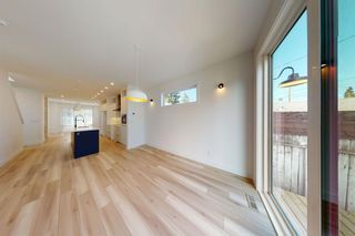 Photo 14: 2422 53 Avenue SW in Calgary: North Glenmore Park Detached for sale : MLS®# A1142924