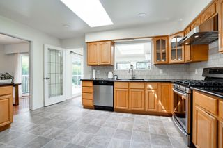 Photo 8: 10891 ROSELEA Crescent in Richmond: South Arm House for sale : MLS®# R2586056