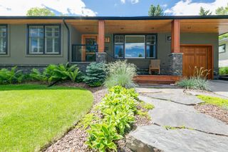 Photo 3: 87 Wildwood Drive SW in Calgary: Wildwood Detached for sale : MLS®# A1126216