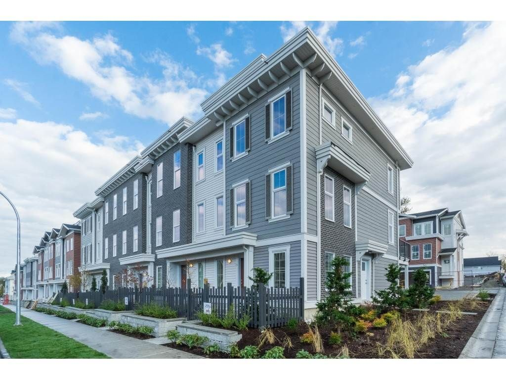 """Main Photo: 25 8370 202B Street in Langley: Willoughby Heights Townhouse for sale in """"Kensington Lofts"""" : MLS®# R2517142"""