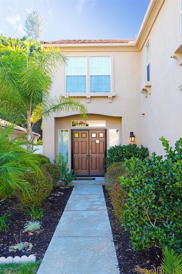 Photo 4: Photos: EAST ESCONDIDO House for sale : 5 bedrooms : 2329 fallbrook in Escondido