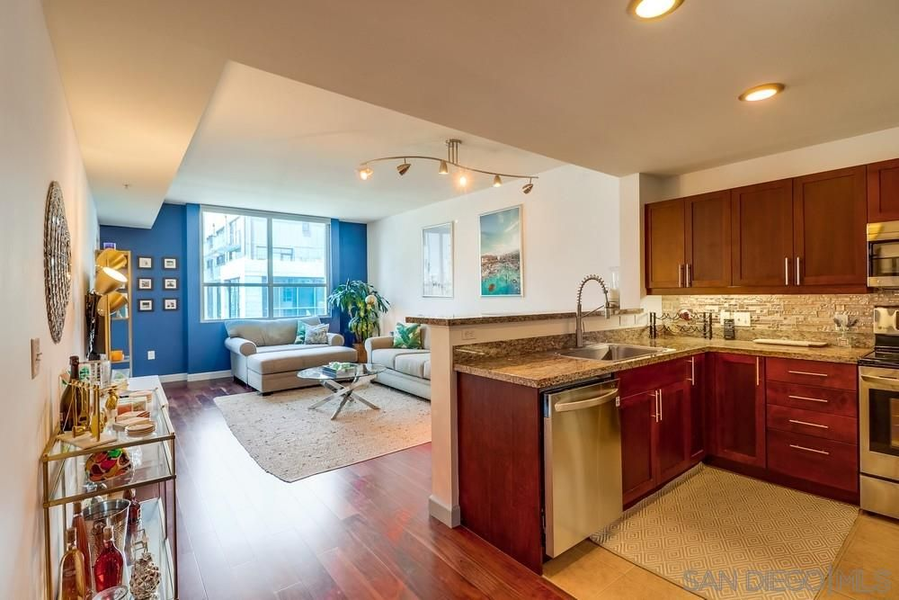 Main Photo: DOWNTOWN Condo for sale : 1 bedrooms : 253 10Th Ave #734 in San Diego