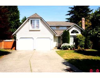 Photo 1: 15733 98A Avenue in Surrey: Guildford House for sale (North Surrey)  : MLS®# F2914512