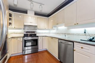 """Photo 5: 3 222 E 5TH Street in North Vancouver: Lower Lonsdale Townhouse for sale in """"BURHAM COURT"""" : MLS®# R2527548"""