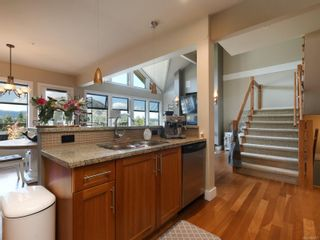 Photo 13: 112 1244 Muirfield Pl in : La Bear Mountain Row/Townhouse for sale (Langford)  : MLS®# 854771