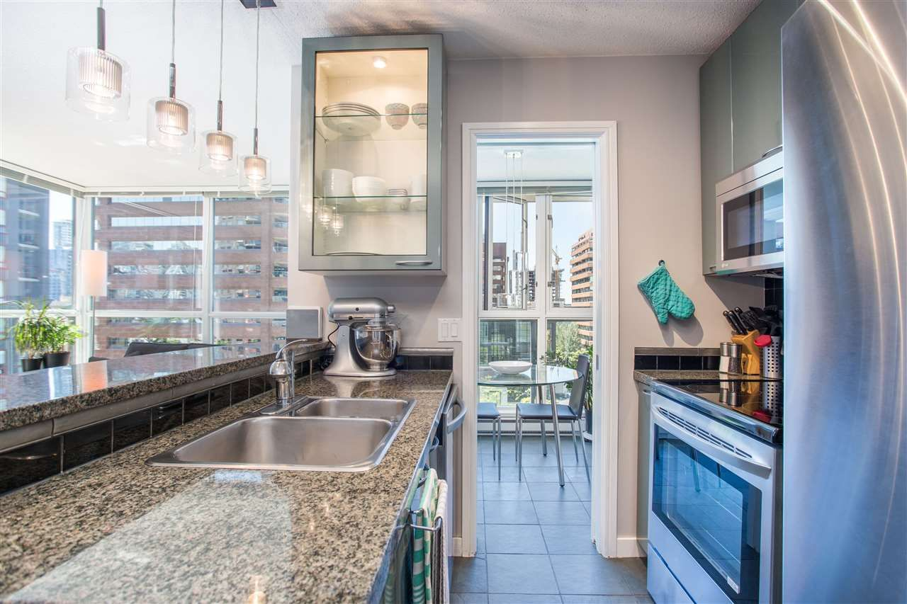 """Photo 4: Photos: 1008 1068 HORNBY Street in Vancouver: Downtown VW Condo for sale in """"The Canadian"""" (Vancouver West)  : MLS®# R2389948"""