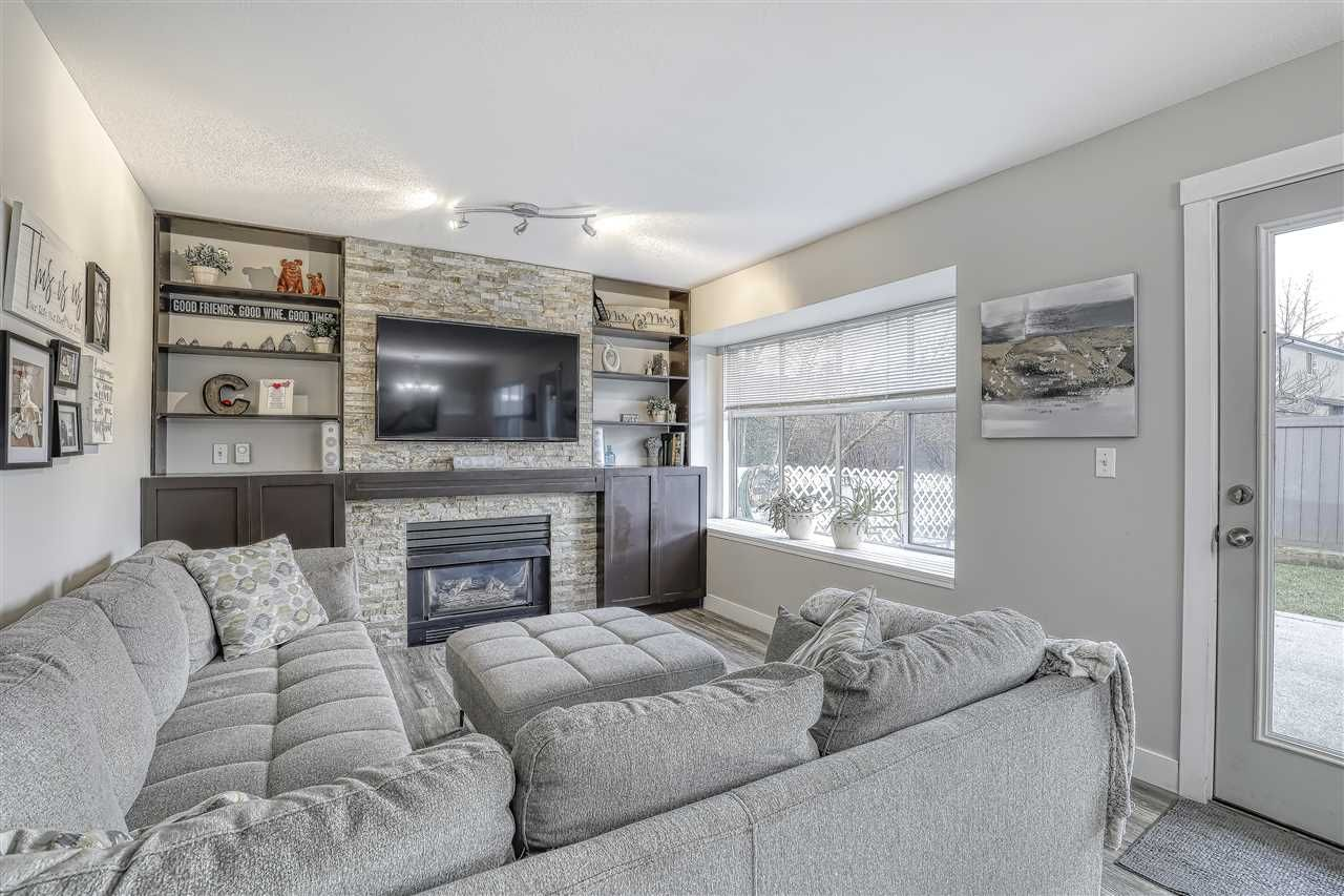 """Photo 4: Photos: 104 12099 237 Street in Maple Ridge: East Central Townhouse for sale in """"GABRIOLA"""" : MLS®# R2436710"""