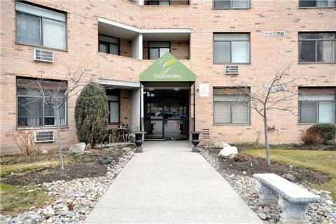 Main Photo: 811 260 Davis Drive in Newmarket: Central Newmarket Condo for sale : MLS®# N3162167