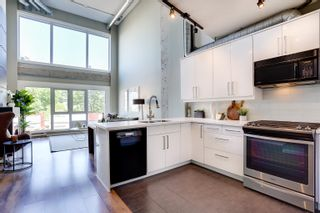 """Photo 2: 309 27 ALEXANDER Street in Vancouver: Downtown VE Condo for sale in """"ALEXIS"""" (Vancouver East)  : MLS®# R2624862"""