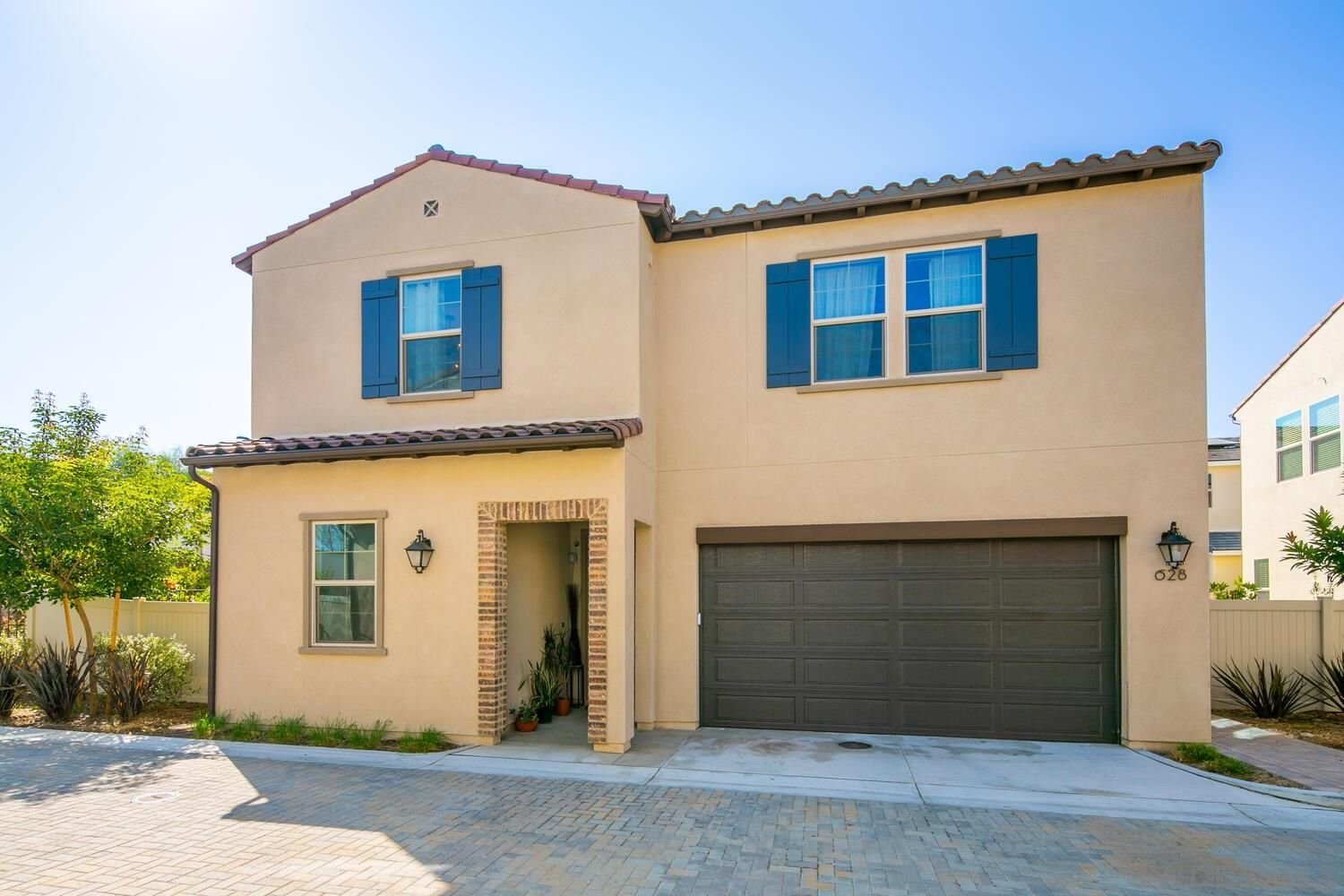 Main Photo: SAN MARCOS House for sale : 5 bedrooms : 628 Gemstone Dr