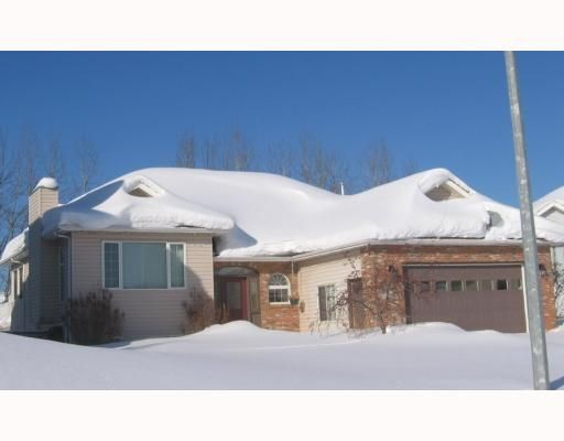 """Main Photo: 5551 MAXHAMISH Crescent in Fort_Nelson: Fort Nelson -Town House for sale in """"MOUNTAINVIEW SUB"""" (Fort Nelson (Zone 64))  : MLS®# N190444"""