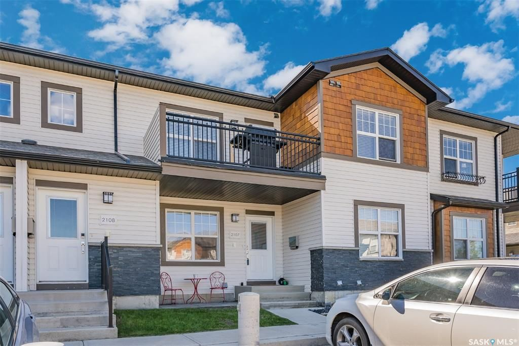 Main Photo: 2107 1015 Patrick Crescent in Saskatoon: Willowgrove Residential for sale : MLS®# SK860316
