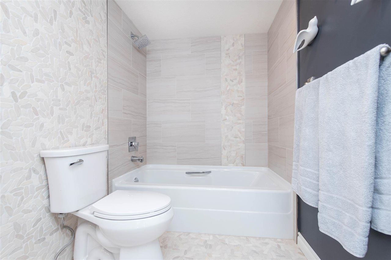 """Photo 24: Photos: 1402 3190 GLADWIN Road in Abbotsford: Central Abbotsford Condo for sale in """"Regency Park"""" : MLS®# R2589497"""
