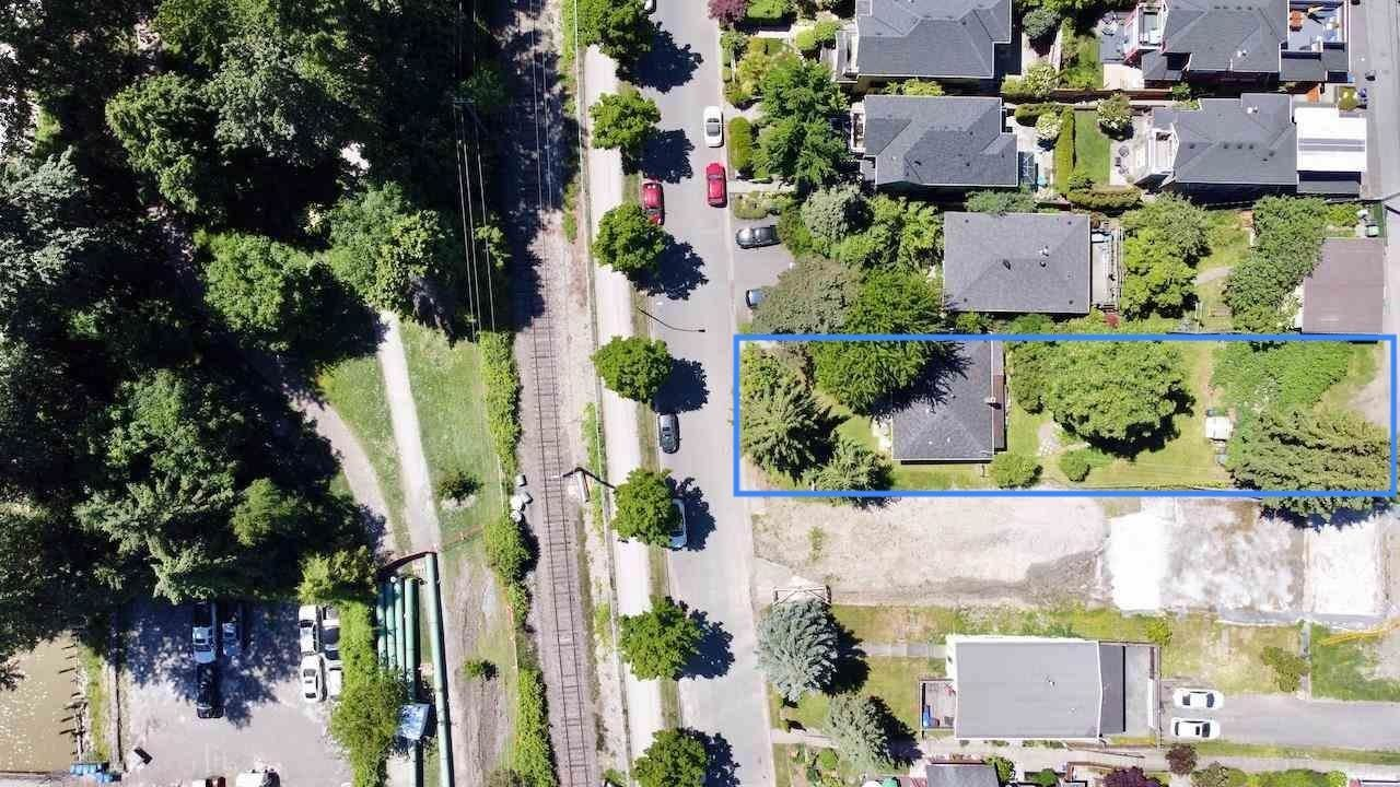Main Photo: 2541 E KENT Avenue in Vancouver: South Marine House for sale (Vancouver East)  : MLS®# R2589000