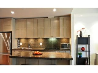 """Photo 3: # 801 1333 W GEORGIA ST in Vancouver: Coal Harbour Condo for sale in """"TH QUBE"""" (Vancouver West)  : MLS®# V1018251"""