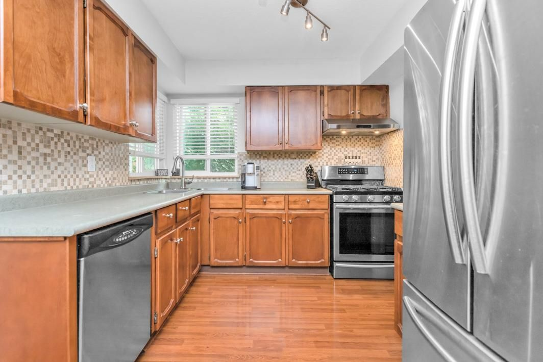 "Photo 16: Photos: 11891 CHERRINGTON Place in Maple Ridge: West Central House for sale in ""WEST MAPLE RIDGE"" : MLS®# R2600511"