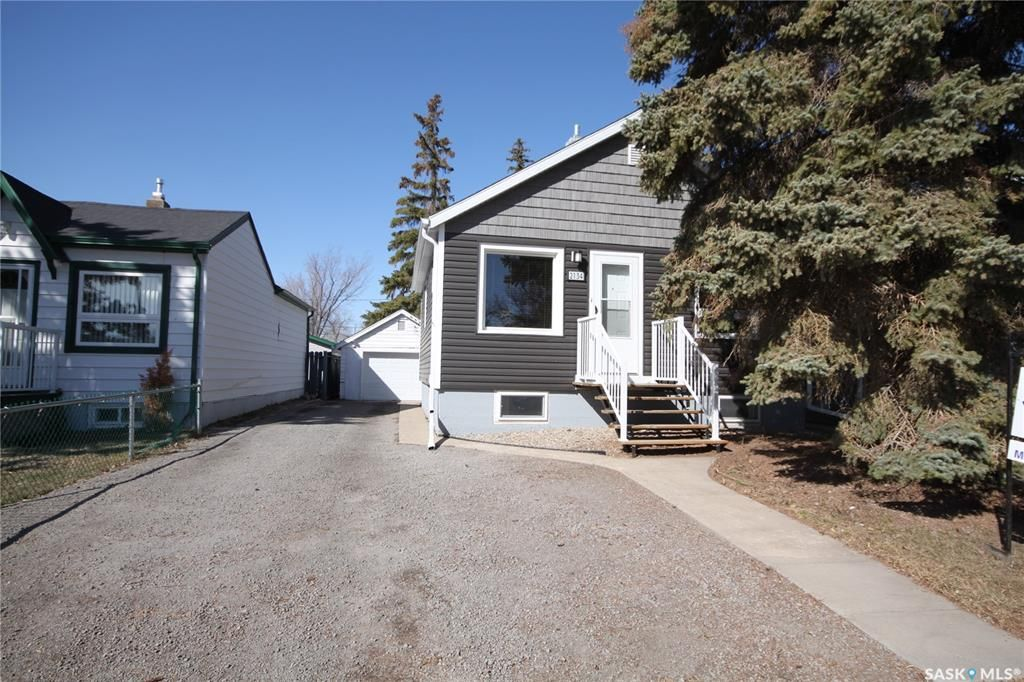 Main Photo: 2134 Lindsay Street in Regina: Broders Annex Residential for sale : MLS®# SK848973