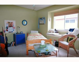 """Photo 8: 24189 MCCLURE Drive in Maple Ridge: Albion House for sale in """"MAPLE CREST"""" : MLS®# V633956"""