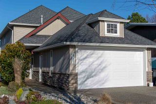 """Photo 1: 4719 DUNFELL Road in Richmond: Steveston South House for sale in """"THE DUNS"""" : MLS®# R2370346"""