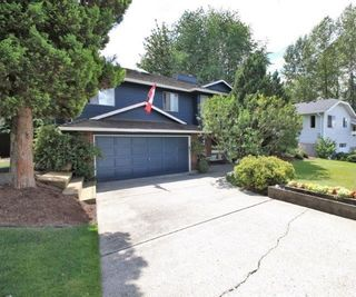 Photo 1: 476 GLENBROOK Drive in New Westminster: GlenBrooke North House for sale : MLS®# R2086759