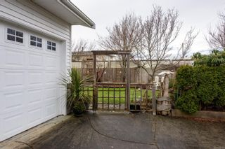 Photo 3: 3783 Stokes Pl in : CR Willow Point House for sale (Campbell River)  : MLS®# 867156