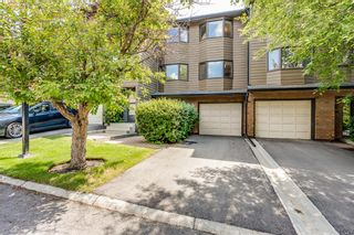 Photo 1: 92 23 Glamis Drive SW in Calgary: Glamorgan Row/Townhouse for sale : MLS®# A1128927
