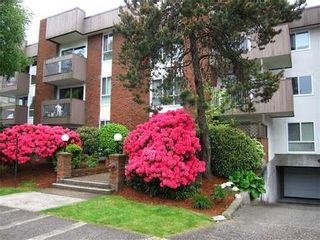 Photo 1: 204 1640 11TH Ave W in Vancouver West: Fairview VW Home for sale ()  : MLS®# V951708