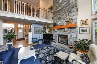 Photo 11: 1003 Kingsley Cres in : CV Comox (Town of) House for sale (Comox Valley)  : MLS®# 886032