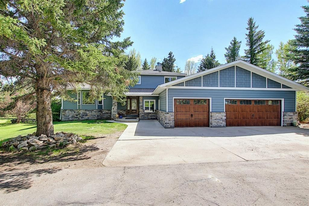 Main Photo: 97 Bearspaw Meadows Way NW in Rural Rocky View County: Rural Rocky View MD Detached for sale : MLS®# A1149296