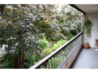 "Photo 9: 318 550 E 6TH Avenue in Vancouver: Mount Pleasant VE Condo for sale in ""LANDMARK GARDENS"" (Vancouver East)  : MLS®# V960146"