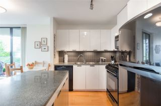 """Photo 9: 403 151 W 2ND Street in North Vancouver: Lower Lonsdale Condo for sale in """"SKY"""" : MLS®# R2389638"""