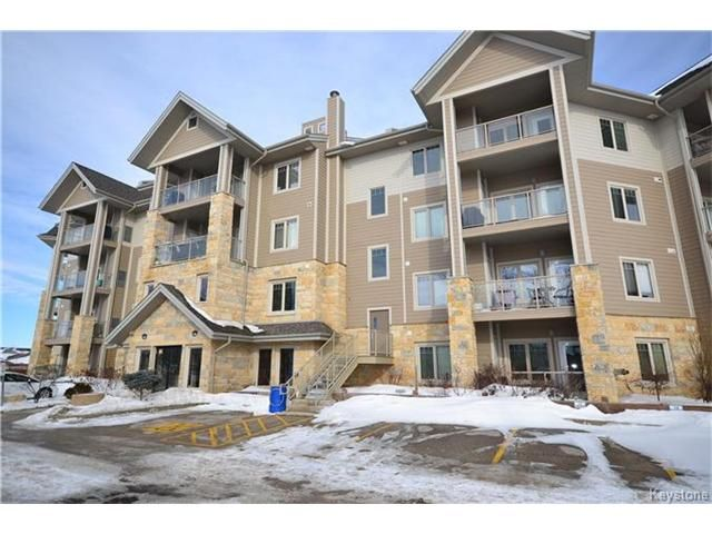 Main Photo: 1205 St Anne's Road in Winnipeg: River Park South Condominium for sale (2F)  : MLS®# 1702876