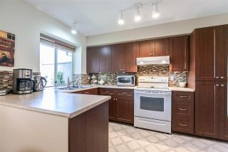 """Photo 6: 108 6109 W BOUNDARY Drive in Surrey: Panorama Ridge Townhouse for sale in """"Lakewood Gardens"""" : MLS®# R2197585"""