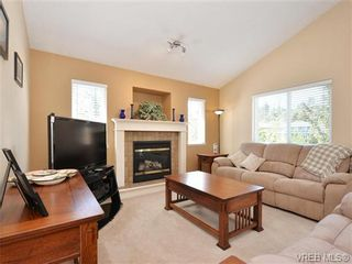 Photo 2: 3424 Pattison Way in VICTORIA: Co Triangle House for sale (Colwood)  : MLS®# 728163