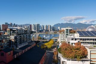 """Photo 2: 1103 88 W 1ST Avenue in Vancouver: False Creek Condo for sale in """"THE ONE"""" (Vancouver West)  : MLS®# R2624687"""