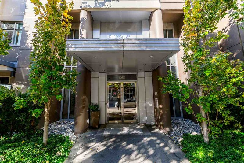 FEATURED LISTING: 705 - 1001 HOMER Street Vancouver