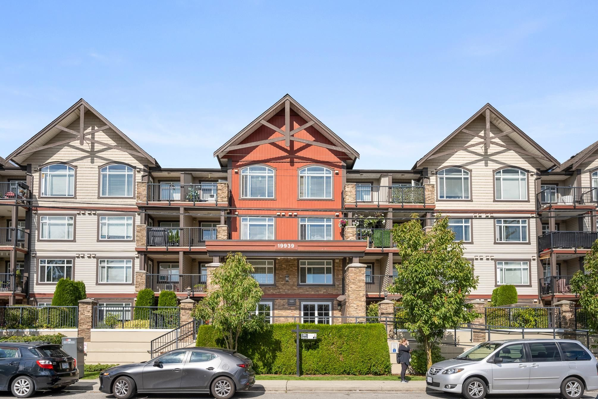 """Main Photo: 314 19939 55A Avenue in Langley: Langley City Condo for sale in """"MADISON CROSSING"""" : MLS®# R2616834"""