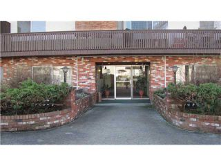 """Photo 2: 209 910 5TH Avenue in New Westminster: Uptown NW Condo for sale in """"ALDERCREST"""" : MLS®# V881727"""