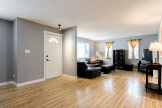 Photo 2: 10672 Shillington Crescent SW in Calgary: Southwood Detached for sale : MLS®# A1062670