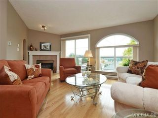 Photo 2: 2324 Evelyn Hts in VICTORIA: VR Hospital House for sale (View Royal)  : MLS®# 713463